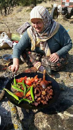 Looks good enough to eat! People Around The World, Around The Worlds, Turkey Culture, Brick Bbq, New Recipes, Healthy Recipes, Village Photos, Food Sculpture, Popular Photography