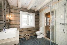 image009 Cabin Homes, Log Homes, Scandinavian Cabin, Barn Bathroom, Country Interior, Tiny Spaces, Tiny House Living, Wooden House, House In The Woods