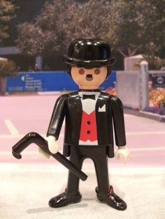 A playmobile Charlie Chaplin! This is awesome! Charlie Chaplin Modern Times, Ghostbusters Toys, Playmobil Toys, Plastic Doll, Lego House, Heart For Kids, Legoland, Jouer, Tech Gadgets