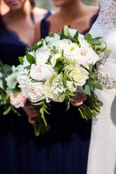 Chicago History Museum Wedding Floral: Life in Bloom Photography: Ann & Kam Photo