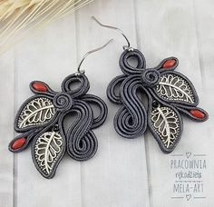 Soutache Earrings, Macrame Jewelry, How To Make Earrings, Shibori, Beautiful Earrings, Earrings Handmade, Polymer Clay, Ribbon, Brooch