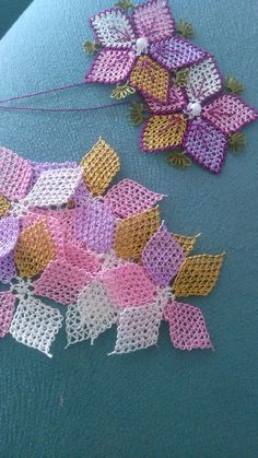 This Pin was discovered by Elm Crochet Needles, Needle Lace, Diy Home Crafts, Fabric Art, Tatting, Creations, Textiles, Quilts, Embroidery