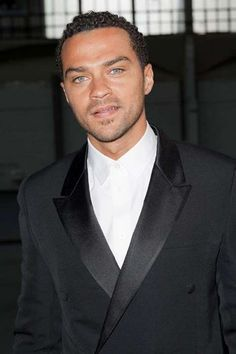 Jason Williams And ill be watching you on greys anatomy Jessie Williams, Jason Williams, Sharp Dressed Man, Well Dressed Men, Jackson Avery, Hollywood Scenes, Eye Candy Men, Hottest Guy Ever, Cute Celebrities