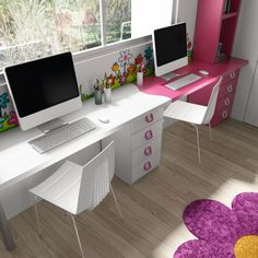 Nos encantan estos detalles que convierten las habitaciones en verdaderas imágenes de nuestra personalidad. En este caso para una habitación para dos hermanas, se ha pensado en cambiar y separar por medio del color los espacios. Una ideal genial.