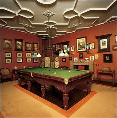 Billiard Room With Amazing Ceiling and Beautiful Billiard Table
