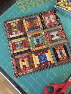 Scrappy Quilts, Easy Quilts, Small Quilts, Mini Quilts, Log Cabin Quilt Pattern, Log Cabin Quilts, Scrap Quilt Patterns, String Quilts, Miniature Quilts