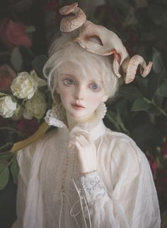 The Masked Minstrel 🎭 Face up by Mask by Eyes by Blouse by 💗💗💗 Ball Jointed Dolls, Pretty Dolls, Beautiful Dolls, Doll Painting, Anime Dolls, Doll Repaint, Ooak Dolls, Custom Dolls, Doll Face