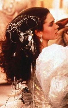 Hair accessories- Sarah from Labyrinth I want my Hair to be just like this
