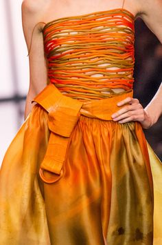 Armani Privé at Couture Spring 2017 - Details Runway Photos Orange Fashion, Pink Fashion, Runway Fashion, 3d Fashion, Armani Prive, Couture Details, Fashion Details, Giorgio Armani, Orange Mode