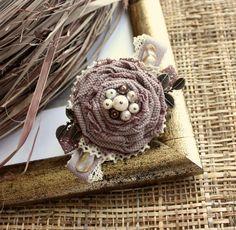 Купить Текстильная брошь Какао и сливки - Елена Кожевникова, tullula, текстильная брошь, брошь текстильная