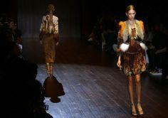 Mailänder Modewoche: Gucci Frühjahrs- und Sommerkollektion 2015. Mehr zur Modewoche: http://www.nachrichten.at/nachrichten/society/Mailaender-Modewoche-mit-70-Shows-in-sechs-Tagen;art411,1503169 (Bild: Reuters)