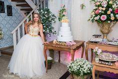 Foto por Sueide Stabenow ❤ Ana Júlia faz 15. Decoração provençal para a debutante + Vestido Princesa, tons de rosa | Provencal Sweet Fifteen + Blush and pink, princess dress