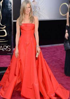 Jennifer Aniston Oscar 2013. corte princesa