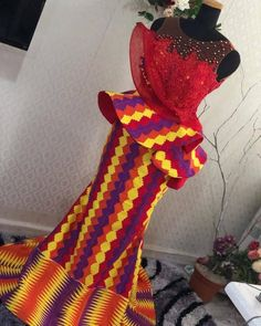 THE BEST AND STYLISH KENTE STYLES IN 2019 - African Fashion African Dresses For Kids, African Fashion Ankara, Latest African Fashion Dresses, African Dresses For Women, African Print Dresses, African Print Fashion, African Prints, African Wedding Attire, African Attire