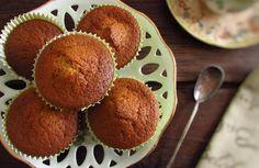 Os queques são sempre uma solução deliciosa e rápida para visitas inesperadas de amigos ou famíliares. Experimente estes deliciosos queques de café, têm...
