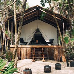 pinterest: simonewanscher Hut House, Tiny House Cabin, Surf Shack, Beach Shack, Resorts In Philippines, Bamboo House Design, Tropical Architecture, Casamance, Beach Bungalows