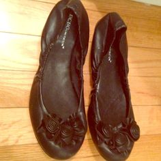 Bcbgeneration black flats BCBGeneration black flats sz 8.. Brand new.. Leather looking black flats with flower details on the toe part.. Very stylish and a nice basic black flat BCBGeneration Shoes Flats & Loafers