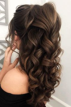 72 Best Wedding Hairstyles For Long Hair 2020 wedding hairstyles for long hair volume curly half up half down on brown hair juliafratichelli. Quince Hairstyles, Wedding Hairstyles For Long Hair, Bride Hairstyles, Down Hairstyles, Pretty Hairstyles, Long Brown Hairstyles, Volume Hairstyles, Best Hairstyles, Updo Hairstyle