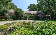 """Zach on Instagram: """"The George Chester Doubleday estate designed by James O'Connor c. 1936 in Upper Brookville. Doubleday was a director and vice-president at…"""" James O Connor, 6 Bedroom House, Area Units, Wall Exterior, Flood Zone, Virtual Tour, Chester, Glen Head, Acre"""