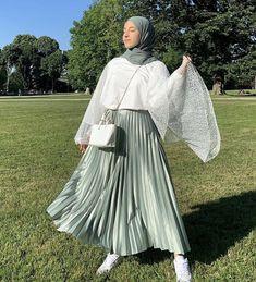Long Skirt Fashion, Modest Fashion Hijab, Modern Hijab Fashion, Street Hijab Fashion, Muslim Fashion, Modesty Fashion, Fashion Women, Eid Outfits, Modest Outfits