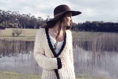 TERRA es feliz mostrando su amor por los tejidos, lo natural y la libertad. Viva la frescura y naturalidad de la mujer . Handmade in Uruguay http://www.terratejidos.com