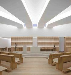 modern church Love the white Sacred Architecture, Religious Architecture, Church Architecture, Interior Architecture, Church Interior Design, Church Design, Kirchen Design, Crea Design, Modern Church