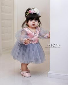 Baby fashion clothes pictures 28 new ideas Cute Baby Dresses, Baby Girl Party Dresses, Little Girl Dresses, Cute Babies Photography, Kids Dress Wear, Cute Baby Girl Pictures, Cute Baby Wallpaper, Kids Frocks, Cute Little Baby