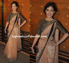 Amrita Rao wearing Payal Singhal at Filmfare 2014 Indian Attire, Indian Outfits, Indian Clothes, Bollywood Saree, Bollywood Fashion, Saree Fashion, Indian Bridal Wear, Indian Wear, India Fashion