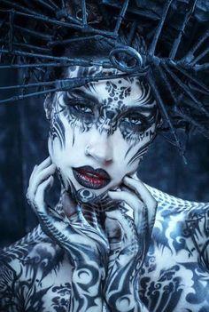 Orny y su álbum: Fantasy Model, Dark Fantasy Art, Body Painting, Fantasy Photography, Maquillage Halloween, Human Art, Creative Portraits, Fantasy Makeup, Gothic Art