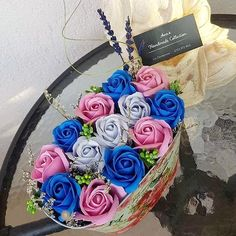 Pentru ca... Pentru ca... Toată lumea întreabă de florile de săpun... Începem și noi primele aranjamente cu ele! #flowers #flowersbouquet #flowersbox #cottonflower #cotton #soapflowers #lavanda #flori #aranjamenteflorale #floridesapun Handmade, Women, Hand Made, Handarbeit