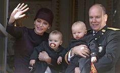 Pour le prince Albert, Charlène de Monaco est une maman formidable Check more at http://people.webissimo.biz/pour-le-prince-albert-charlene-de-monaco-est-une-maman-formidable/