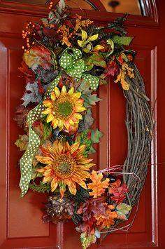 love this autumn wreath