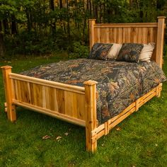 Need to order Nativ Living™ Mountain Maple Panel Bed by Mountain Woods Furniture Diy Pallet Furniture, Furniture Plans, Wood Furniture, Modern Furniture, Furniture Vintage, Furniture Design, King Platform Bed, Upholstered Platform Bed, Bedding Inspiration