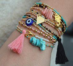 Thin bracelet Miyuki, charm and Cute Jewelry, Diy Jewelry, Beaded Jewelry, Jewelry Making, Jewellery, Bracelets Fins, Bangle Bracelets, Bohemian Bracelets, Handmade Bracelets