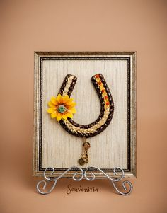 A horseshoe is a simbol of prosperity and GOOD LUCK. Add it to your housewarming gift, wishing best of luck to your friends or family members in their new home!The horseshoe is made of natural mat…