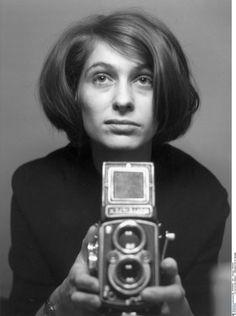 Claudia Von Alemann (1943) Seebach, Thuringia, Alemaña. Filmografía: http://www.imdb.com/name/nm0901863/?ref_=fn_al_nm_1