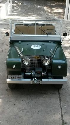 Vintage Land Rover. Forrest Green. Soft top