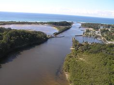 The Brunswick River :  Brunswick Heads is located to the north of Byron Bay. Still forming part of the bay itself, it is at the northern most part of the Cape Byron Marine Park with the township on the shores of the beautiful Brunswick River.