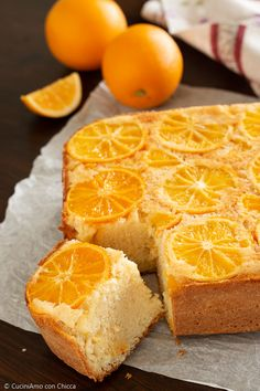 Inverted cake with orange - CuciniAmo con Chicca Italian Dishes, Biscotti, Grapefruit, Finger Foods, Sweet Recipes, Good Food, Lemon, Food And Drink, Sweets