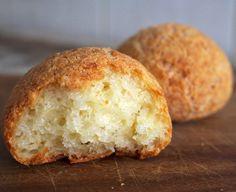 Um dos melhores pão de queijo da cidade, feito com polvilho e queijo curado mineiros