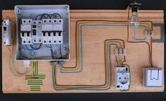 Automatico2 Basic Electrical Wiring, Electrical Symbols, Electrical Diagram, Electrical Projects, Electrical Installation, Electrical Engineering, Distribution Board, Electronics Basics, House Wiring