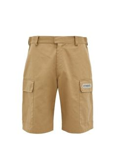 Vetements Twill Cargo Shorts In Beige Black And White Logos, Vacation Wardrobe, Friends In Love, Work Wear, Fitness Models, What To Wear, Beige, Mens Fashion, Shorts