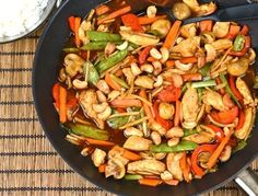 Kyckling med cashewnötter Vegetarian Recipes, Healthy Recipes, Healthy Foods, Date Dinner, Chicken Recipes, Recipe Chicken, Kung Pao Chicken, Wok, Food Hacks
