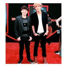 Cody Simpson & Greyson Chance<3