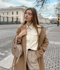 Classic Outfits, Chic Outfits, Girl Outfits, Fashion Outfits, Cute Fashion, Daily Fashion, Neutral Outfit, Minimal Fashion, Everyday Outfits
