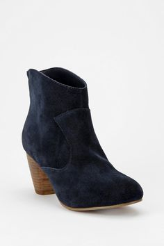 On my #UONICELIST #UrbanOutfitters - Ecote Alexandra Suede Ankle Boot