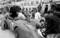 Aston Martin pit stop. Le Mans 1956