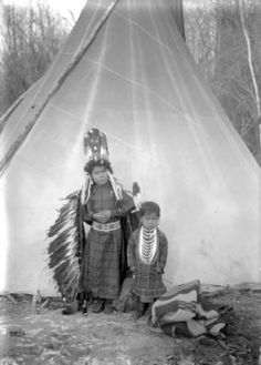 Marie and Juan Pierre, two Native American children on the Flathead Indian Reservation in western Montana, stand in front of a teepee on the reservation - Boos - Native American Children, Native American Photos, Native American Tribes, American Indian Art, Native American History, Indian Reservation, Children Drawing, Beautiful People, Beautiful Pictures