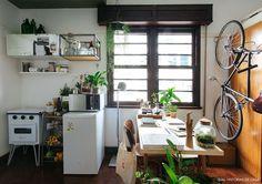 44 Ideas Bike Design Ideas Small Spaces For 2019 Dream Apartment, Apartment Living, Apartment Therapy, Apartment Layout, Apartment Interior, Small House Decorating, Interior Decorating, Decorating Tips, Interior Design