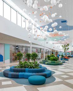 Mall Design, Clinic Design, Healthcare Design, Shop Front Design, Retail Interior Design, Lobby Interior, Hospital Reception, Shopping Mall Interior, Office Waiting Rooms